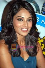 Bipasha Basu at All the Best promotional event in Cinemax on 18th Oct 2009 (12).JPG