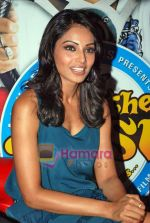 Bipasha Basu at All the Best promotional event in Cinemax on 18th Oct 2009 (9).JPG