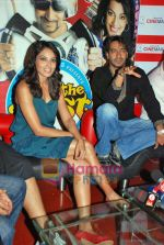 Bipasha Basu, Ajay Devgan at All the Best promotional event in Cinemax on 18th Oct 2009 (12).JPG