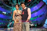 Jacquline fernandis and ritesh deshmukh on Comedy Circus 3 on 20th Oct 2009.JPG