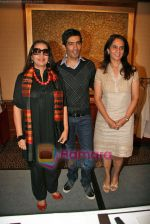 Shabana Azmi, Manish Malhotra, Anita Dongre judge Best Designer contest in The Leela, Mumbai on 20th Oct 2009 (5).JPG