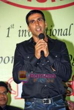 Akshay Kumar at 1st Invitational Open National Karate Championship in Andheri Sports Complex, Mumbai  on 21st Oct 2009 (12).JPG