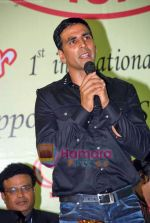Akshay Kumar at 1st Invitational Open National Karate Championship in Andheri Sports Complex, Mumbai  on 21st Oct 2009 (11).JPG