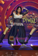 Sameera Reddy at Lux Diwali Dhamaka Show on 22nd Oct 2009 (4)~0.JPG