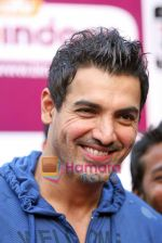 John Abraham at promotional event for UTV Bindass new reality show Big Switch in Mumbai on 23rd Oct 2009 (33).JPG