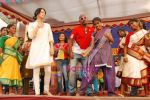 Dia Mirza, Vinod Kambli at Anmol Diwali celeberations for street girls in Mumbai on 24th Oct 2009 (3).JPG
