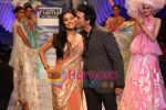 Amrita Rao along with designer Suneet Verma at the Fiama Di Wills show at WIFW on 27th Oct 2009.JPG