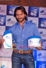 Saif Ali Khan at the launch of New Head N Shoulders Scalp Massage Cream in Mumbai on 29th Oct 2009 (23).JPG