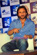 Saif Ali Khan at the launch of New Head N Shoulders Scalp Massage Cream in Mumbai on 29th Oct 2009 (11).JPG