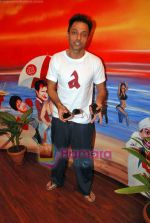 Sujoy Ghosh paint the Aladin Wall in Opp Phoenix Mills on 29th Oct 2009 (17).JPG