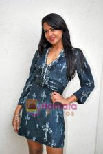 Sameera Reddy at De Dhana Dan Media meet in Juhu, Mumbai on 30th Oct 2009 (3).JPG