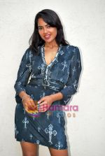 Sameera Reddy at De Dhana Dan Media meet in Juhu, Mumbai on 30th Oct 2009 (8).JPG