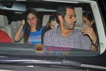 Kareena Kapoor, Karishma Kapoor, Sanjay Kapur at Shahrukh Khan_s Bday bash in Sanjay Kapoor house, Juhu, Mumbai on 2nd Nov 2009 (4).JPG