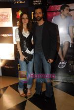 Hrithik Roshan, Suzanne Roshan at the special screening of film Aao Wish Karein in PVR Juhu on 11th Nov 2009 (12).JPG