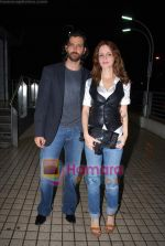 Hrithik Roshan, Suzanne Roshan at the special screening of film Aao Wish Karein in PVR Juhu on 11th Nov 2009 (8).JPG