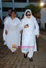 Farida Jalal at Simple Kapadia_s prayer meeting in Juhu on 13th Nov 2009 (56).JPG