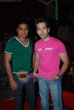 Nakuul Mehta at Morell Sixto anniversary bash in Andheri on 15th Nov 2009 (5).JPG