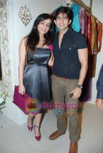 Tina and Hussain at the Launch of VIKRAM PHADNIS boutique with Malaga  launches his exclusive boutique in Juhu on 12th Dec 2009 (2).jpg