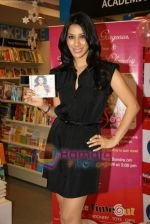 Sophie Chaudhary promotes her new album at Reliance Time Out in Bandra, Mumbai on 2oth Dec 2009 (38).JPG