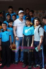 John Abraham attends Sports day for spcial children in Jamnabai Narsee school on 24th Dec 2009 (20).JPG