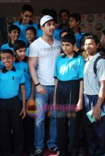 John Abraham attends Sports day for spcial children in Jamnabai Narsee school on 24th Dec 2009 (21).JPG