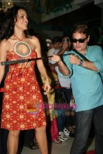 Neha Dhupia, Vinay Pathak at RAAT Gayi Baat Gayi promotional event in Oberoi Mall on 26th Dec 2009 (17).JPG