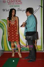 Neha Dhupia, Vinay Pathak at RAAT Gayi Baat Gayi promotional event in Oberoi Mall on 26th Dec 2009 (3).JPG