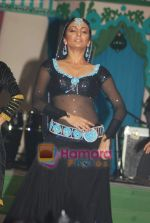 Shweta Salve at Swatee Jaiswal and Lalit Tayal_s wedding in Bangkok on 28th Dec 2009 (10).JPG