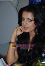 Celina Jaitley at Country Club New Year_s bash press meet in Country Club, Andheri on 30th Dec 2009 (8).JPG