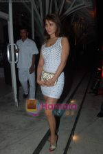 Kim Sharma at Rishi Darda_s annual bash in Tote, Worli on 29th Dec 2009 (5).JPG