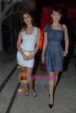 Kim Sharma, Preeti Jhangiani at Rishi Darda_s annual bash in Tote, Worli on 29th Dec 2009 (6).JPG