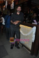 Rajat Kapoor at Raat Gayi Baat Gayi cast chills at Bonobo bar in Bandra, Mumbai on 30th Dec 2009 (2).JPG