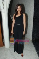 Sonali Bendre at Rishi Darda_s annual bash in Tote, Worli on 29th Dec 2009 (7).JPG