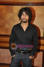 Sonu Nigam at Striker Music Launch in Taj Land_s End, Bandra, Mumbai on 12th Jan 2010 (21).JPG