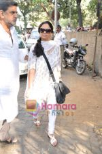 Bollywood pays homage to Aamir Khan_s father Tahir Hussain in Bandra, Mumbai on 3rd Feb 2010 (25).JPG