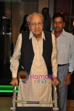 Pran at Pran_s 90th birthday bash in Royal CHina, Mumbai on 12th Feb 2010 (15).JPG