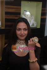 Esha Deol at the launch of Razwada Jewels Boutique in Bandra on 20th Feb 2010.JPG