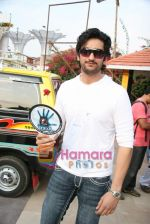 Shaad Randhawa on location of film Rokk in Malad on 22nd Feb 2010 (37).JPG