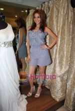 tanaaz doshi at the launch of Kanika Mehra studio in Raghuvanshi Mills Compound, Lower Parel on 25th Feb 2010 (2).JPG