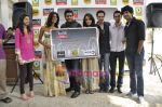 R Madhavan, Shraddha Kapoor, Siddharth Kher, Dhruv Ganesh, Vaibhav Talwar at the Launch of Timeout Lifestyle card in Olive, Mumbai on 2nd March 2010 (13).JPG
