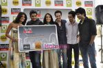 R Madhavan, Shraddha Kapoor, Siddharth Kher, Dhruv Ganesh, Vaibhav Talwar at the Launch of Timeout Lifestyle card in Olive, Mumbai on 2nd March 2010 (5).JPG