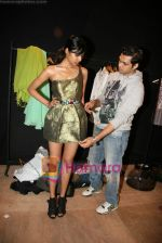 Designer Swanil Shinde Lakme Fashion Week fittings in Hotel Grand Hyatt on 3rd March 2010 (27).JPG