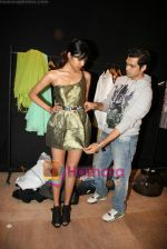 Designer Swanil Shinde Lakme Fashion Week fittings in Hotel Grand Hyatt on 3rd March 2010 (28).JPG