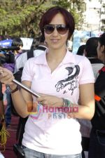 Ishita Arun at Lavassa car race for women in Bandra on 6th March 2010 (91).JPG