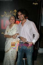 Nafisa Ali, Sanjay Puran Singh Chauhan at Warner Bros Lahore film music launch in Jail restaurant, Near Kokilaben Hospital  on 9th March 2010 (2).JPG