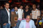 Sunil Shetty, Ravi Kishan, Rahul Aggarwal at Na Ghar Ke Na Ghaat Ke premiere in PVR on 11th March 2010 (3).JPG