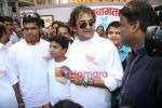 Mahesh Manjrekar seeks blessing at Siddhivinayak for his film City of Gold in Dadar on 16th March 2010 (5).JPG