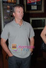 Steve Waugh launches 6up mobile game in Hard Rock Cafe on 20th March 2010 (11).JPG