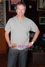 Steve Waugh launches 6up mobile game in Hard Rock Cafe on 20th March 2010 (7).JPG