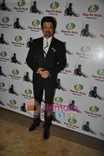 Anil Kapoor at Haiti Earthquake Fundraiser Auction in Grand Hyatt, Mumbai on 21st March 2010 (3).JPG